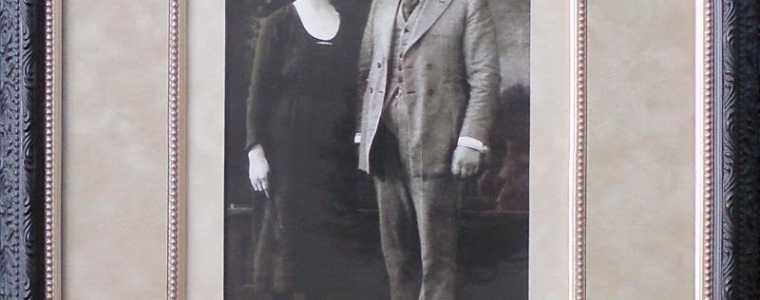 Vintage photo 1920's custom framed